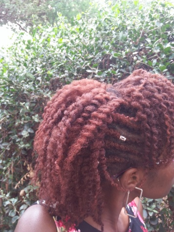 twist out side view